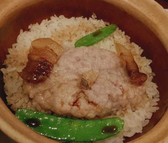 煲仔飯(ボーチャイファン)を炊く